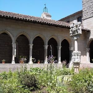 Trie cloister