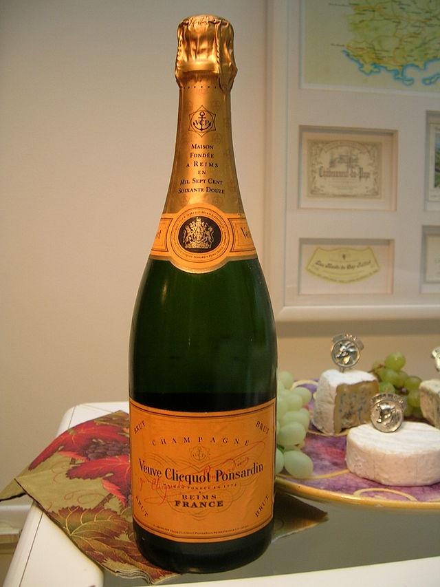 Veuve_Clicquot_-_bottle