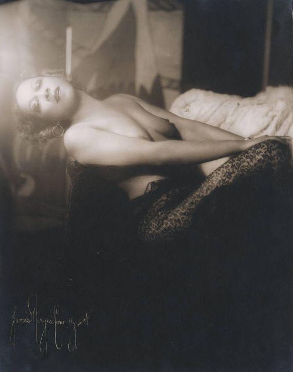 Nora Holt